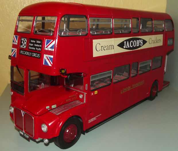 revell 1 24 london bus 07651 build review page 3. Black Bedroom Furniture Sets. Home Design Ideas